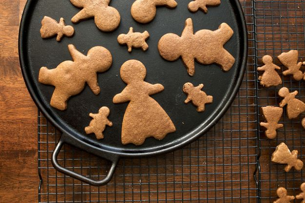 Ricette di Natale per bambini: i classici biscotti allo zenzero