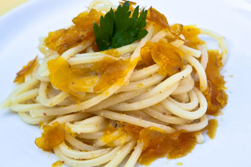 Bucatini con bottarga