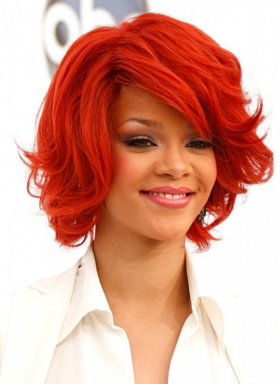Capelli rosso fuoco Rihanna