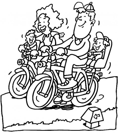 Famiglia in bici per la festa del pap