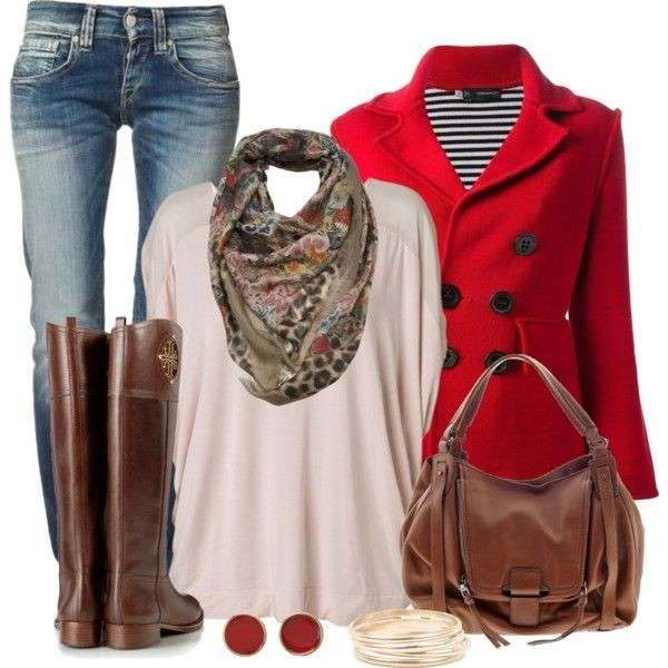 Caban rosso, jeans e riding boot