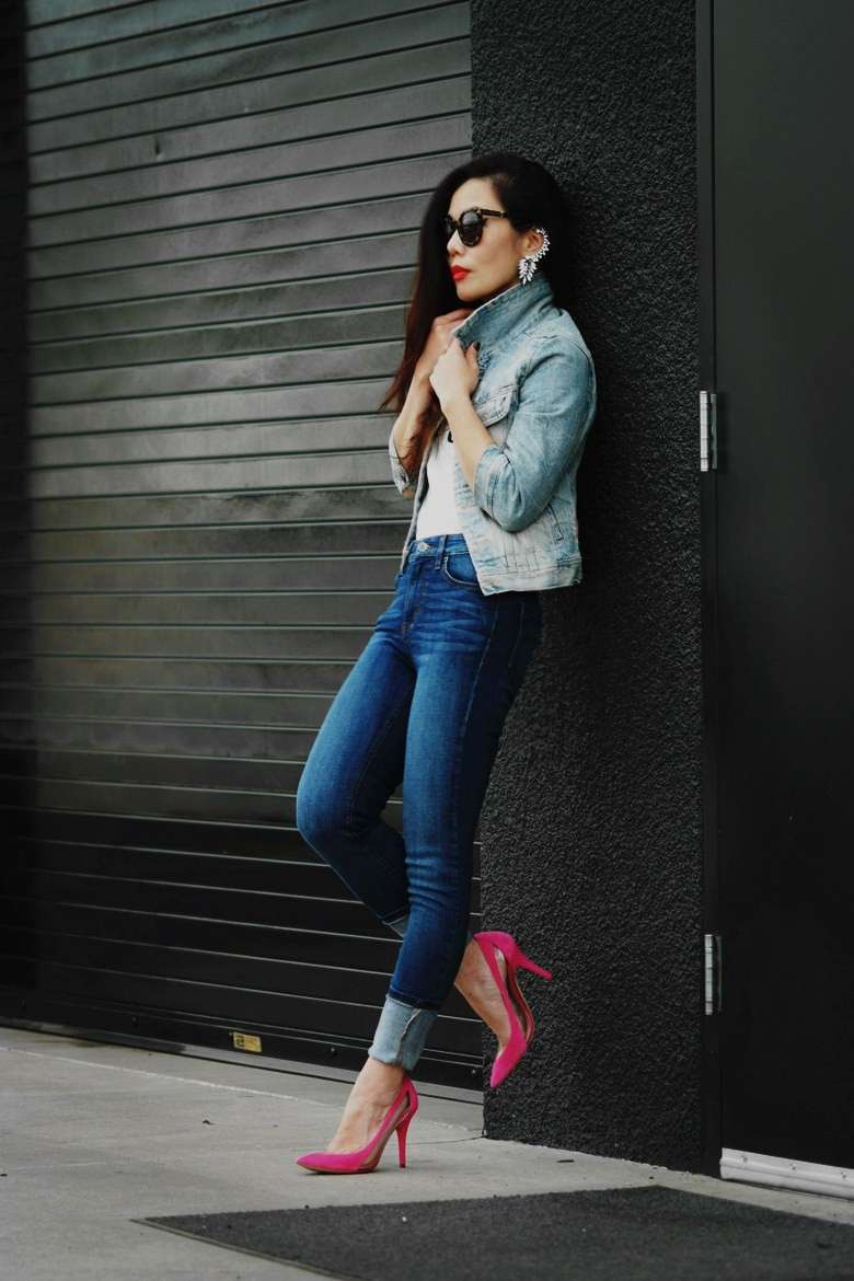 Pumps colorate e jeans