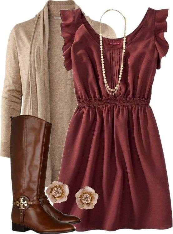 Minidress marsala e accessori