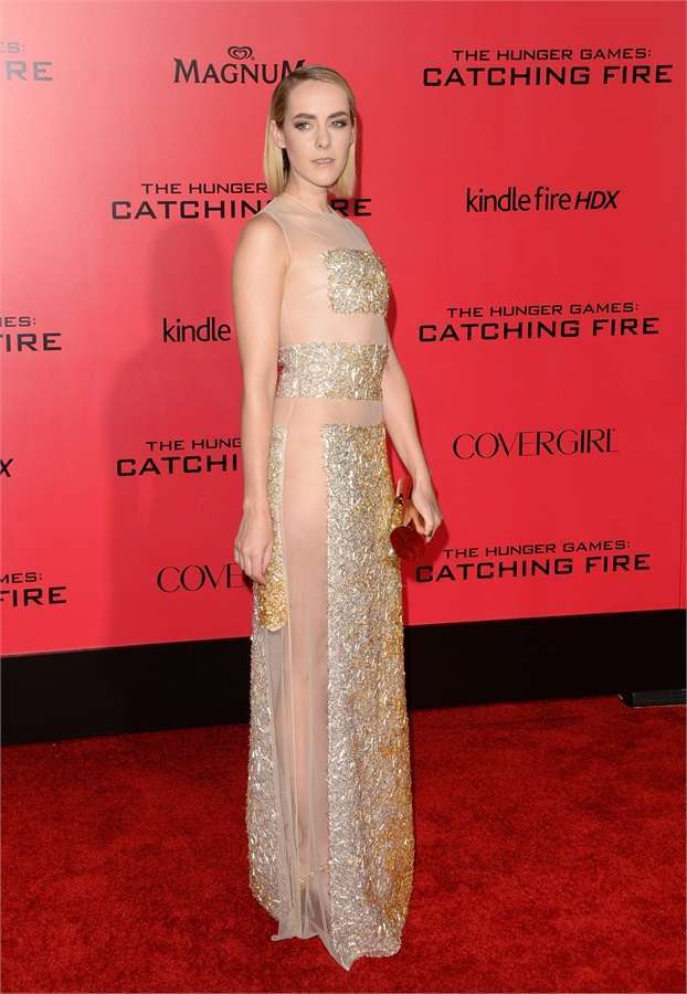 Jena Malone in Nicholas Oakwell Couture