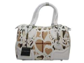 burnerry outlet nie1  Burberry Check Base Heart Tote Outlet Burberry