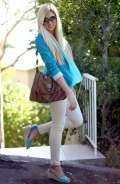 Leggings color pastello e cardigan a contrasto