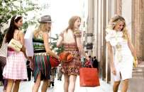 Carrie Bradshaw, vestiti e outfit alla Sex and the City [FOTO]