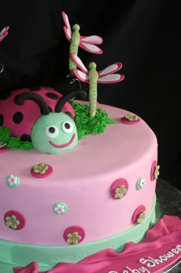 Come decorare le torte foto pourfemme for Decorazioni torte ladybug