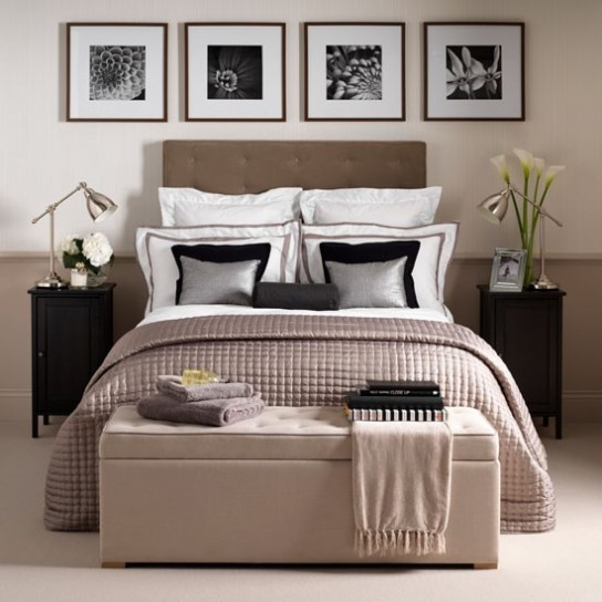 Emejing Quadri Da Mettere In Camera Da Letto Images - Design Trends ...