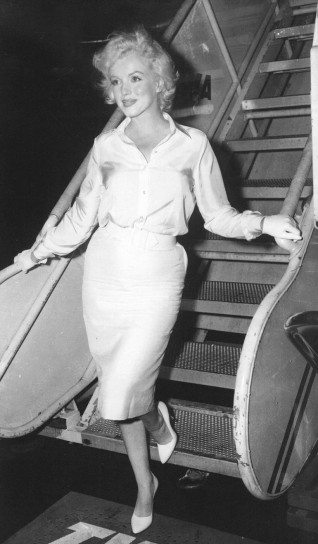 Marylin Monroe scende dall'aereo