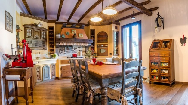 Stile country foto pourfemme for Arredamento cucina country