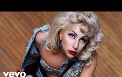 "Moschino veste Lady Gaga nel nuovo video ""Marry the night"""