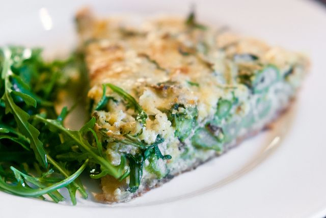 Quiche with green asperagus