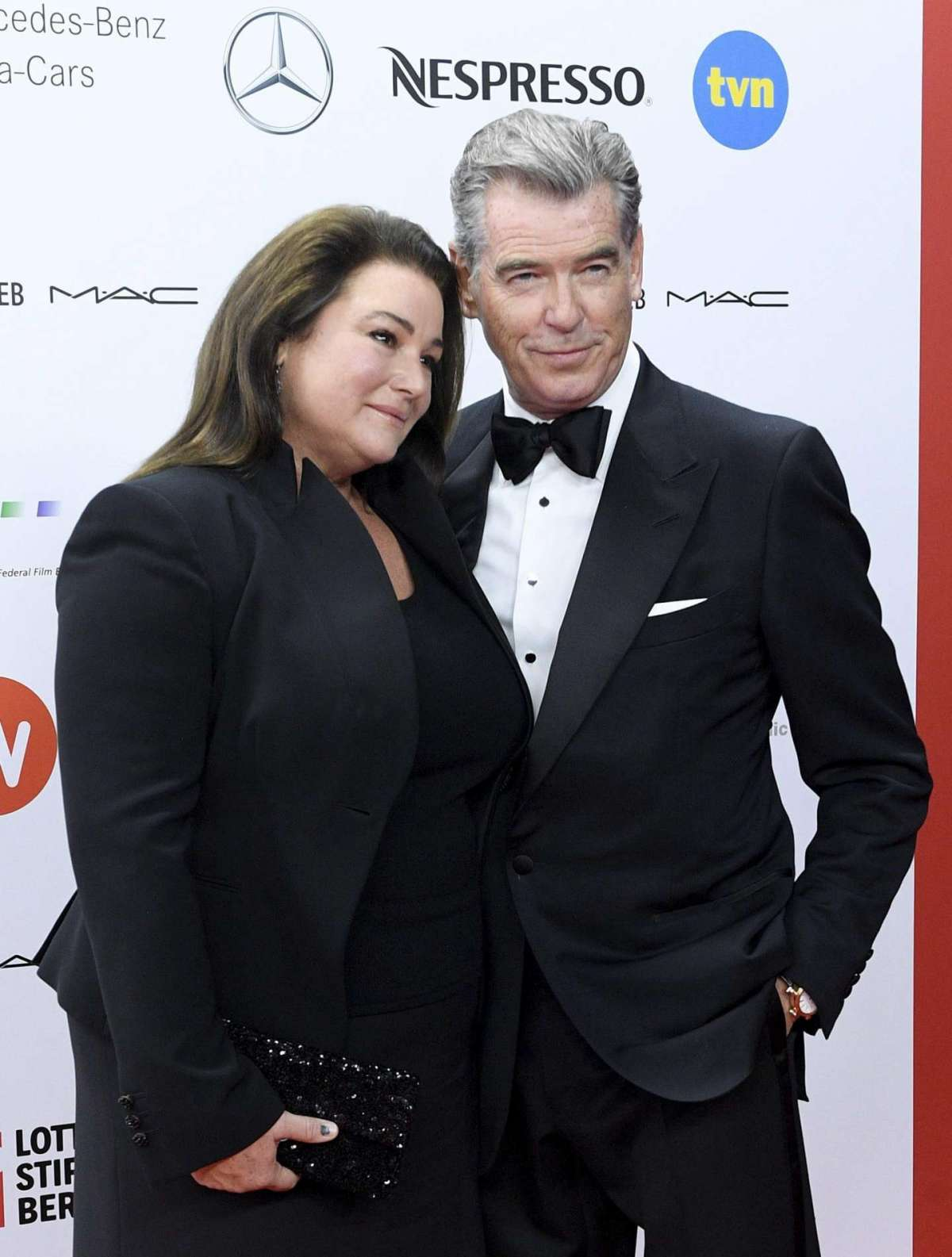 Pierce Brosnan e Keely Shaye Smith