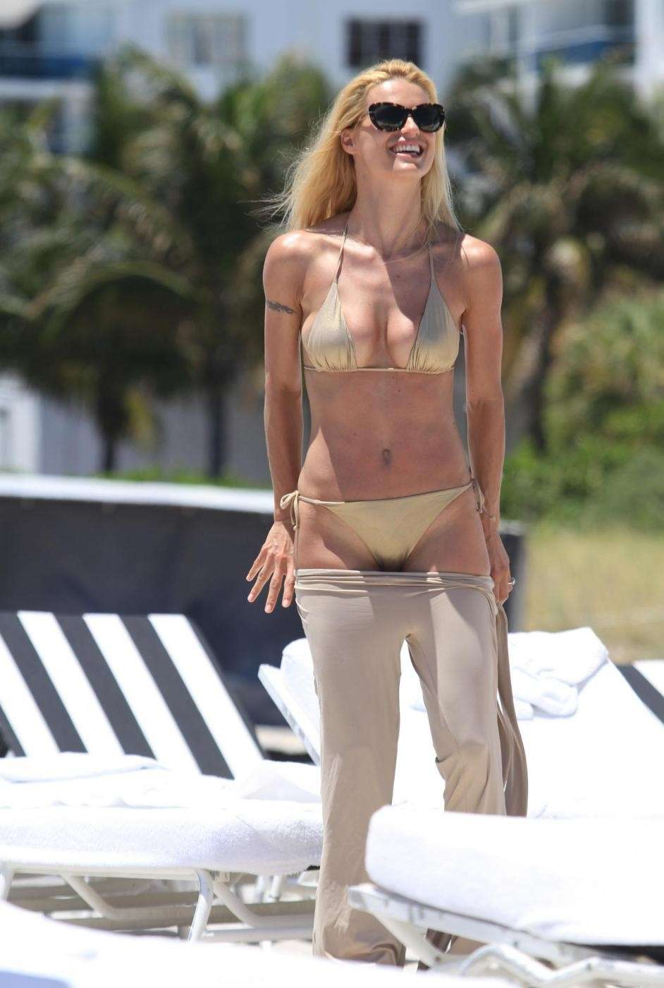 Michelle Hunziker in costume