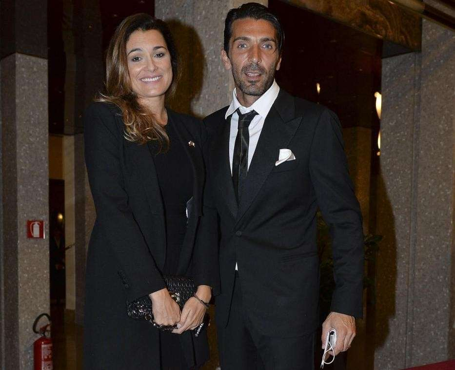 Gianluigi Buffon e Alena Seredova in primo piano