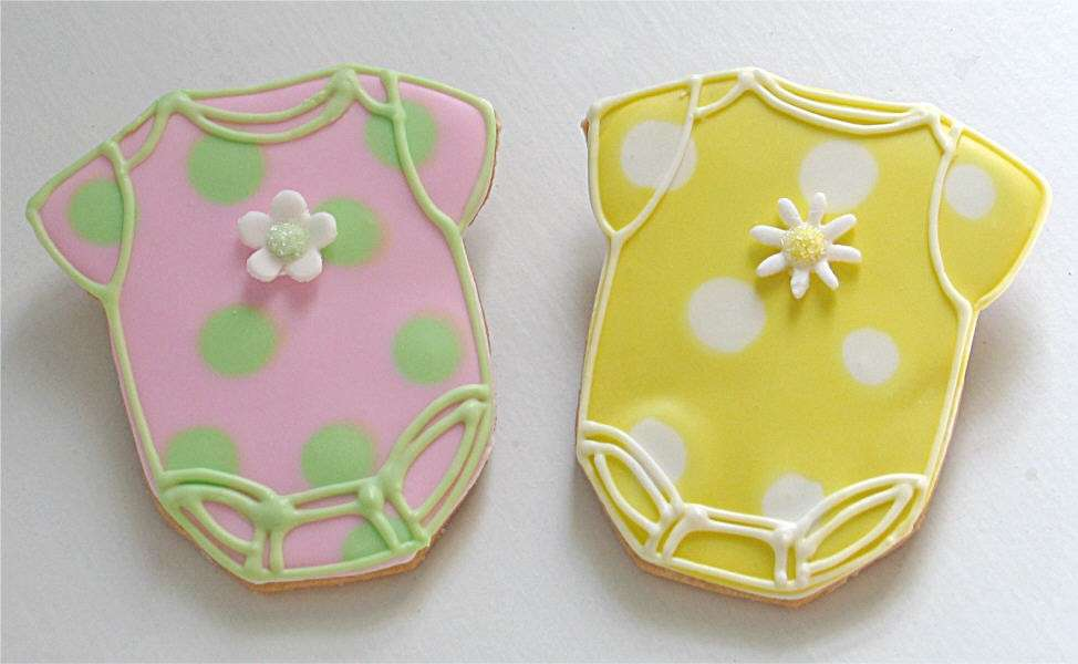 Baby Shower: biscotti a forma di body