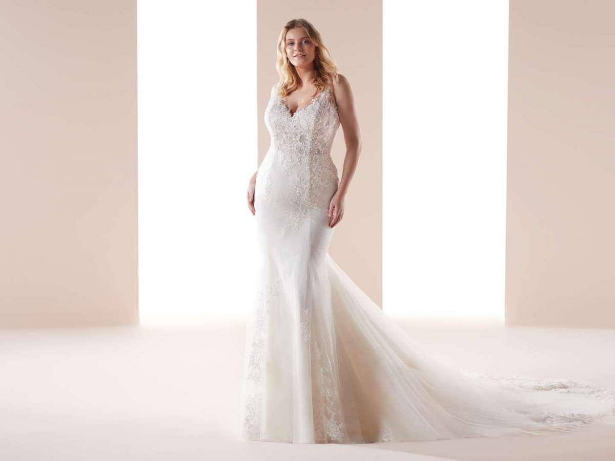 Abito a sirena in pizzo per donne curvy Nicole Lovely Wedding Curves