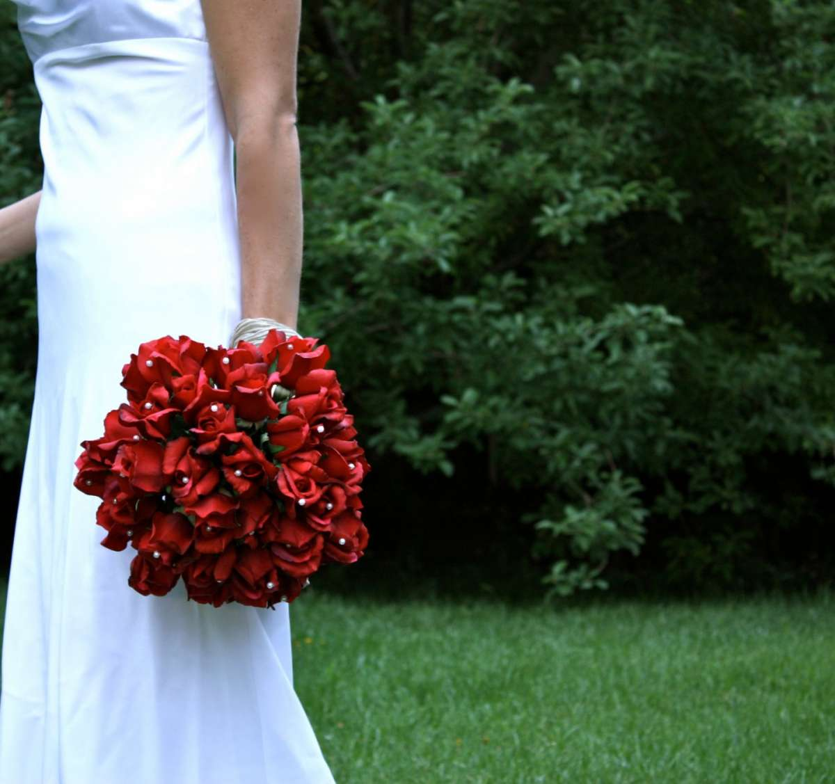 Bouquet sposa invernale in rosso