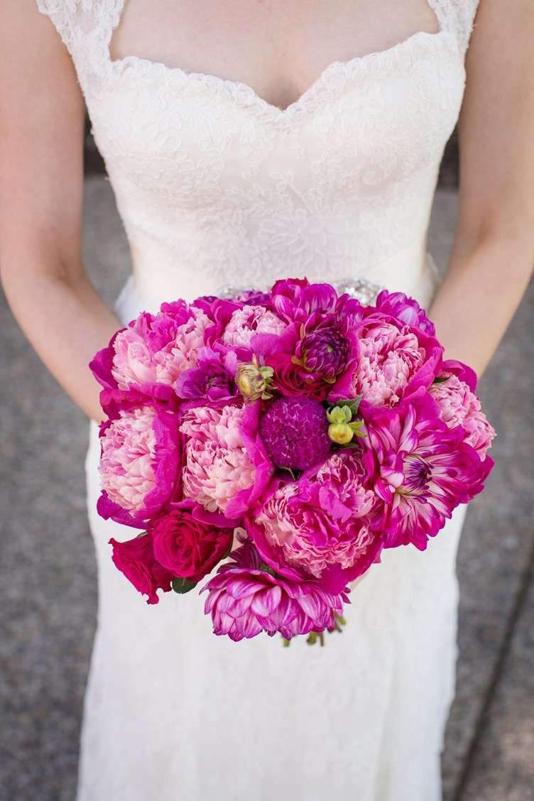 Bouquet con peonie screziate