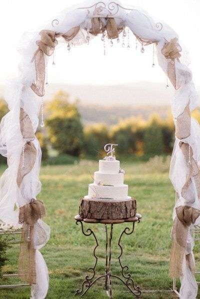 Arco con decori in tulle