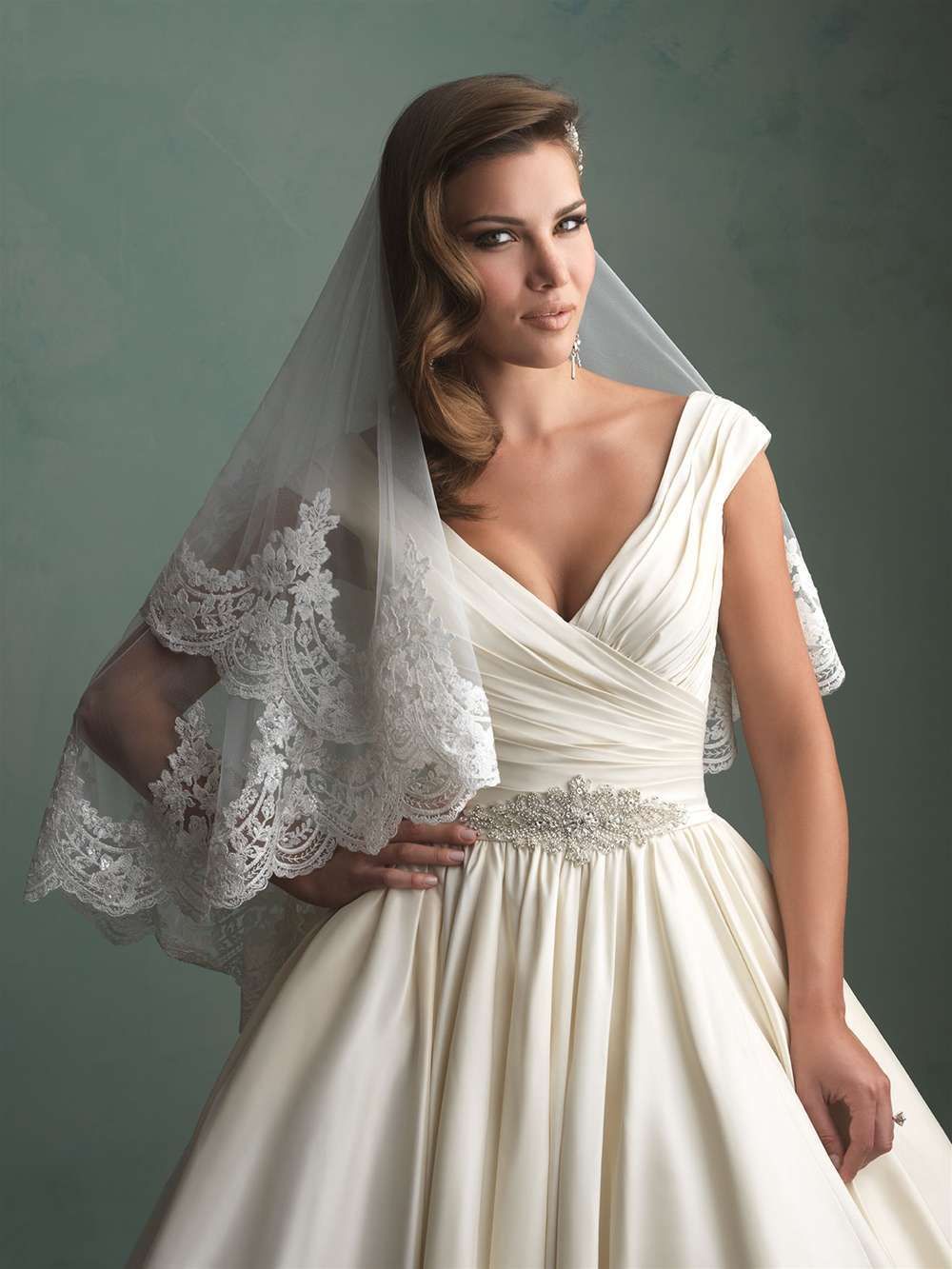 Velo in pizzo francese Allure Bridals
