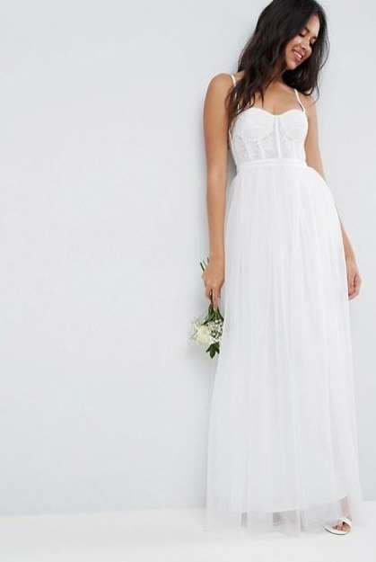 Abito da sposa con corsetto e gonna in tulle Asos Bridal