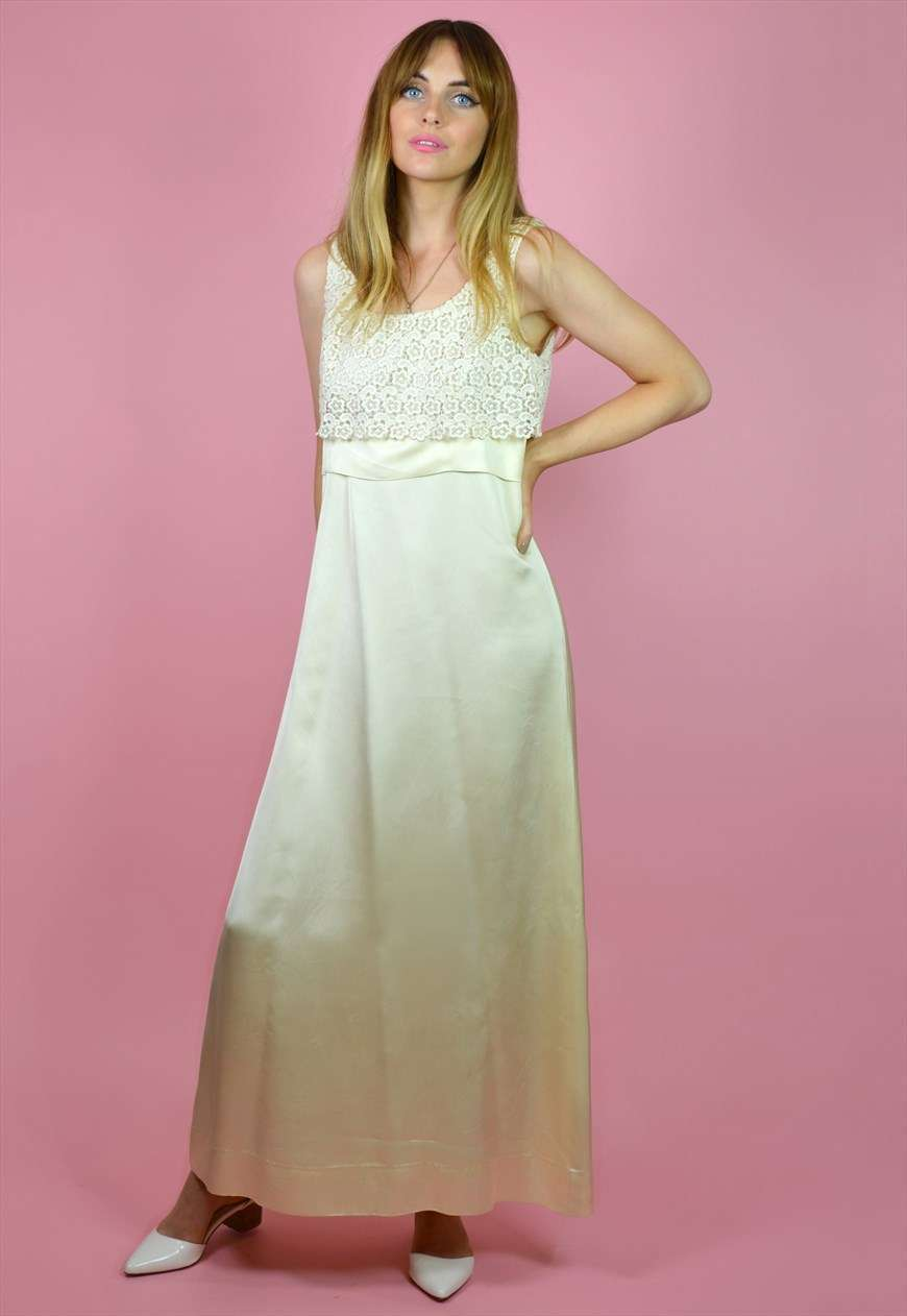 Abito da sposa vintage in satin e pizzo The Vintage Brides' Club su Asos Marketplace