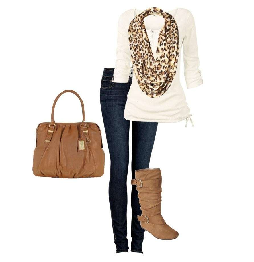Look casual con accessori maculati