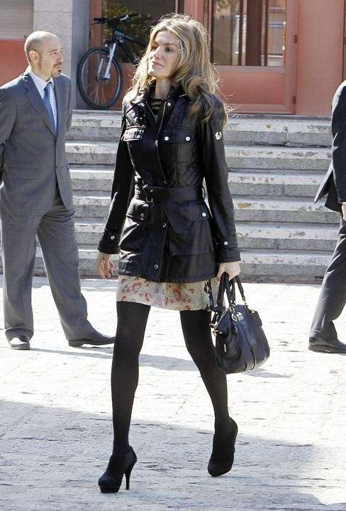 Look casual chic per Letizia