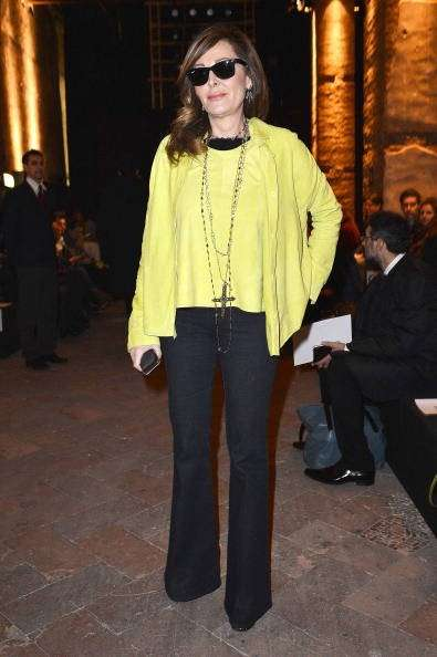 Look in giallo e nero