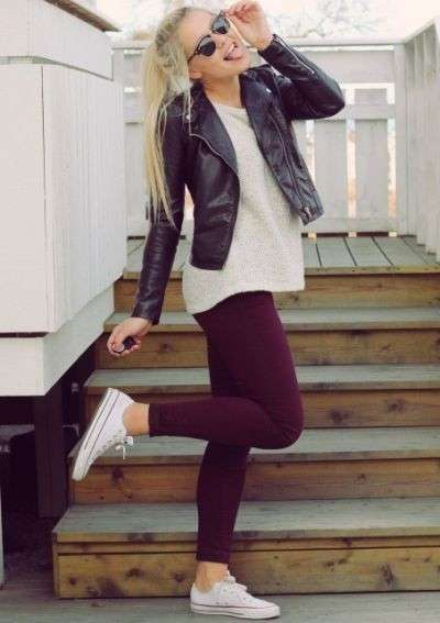 Leggings bordeaux e Converse