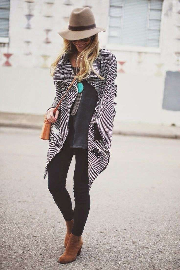 Poncho e ankle boot