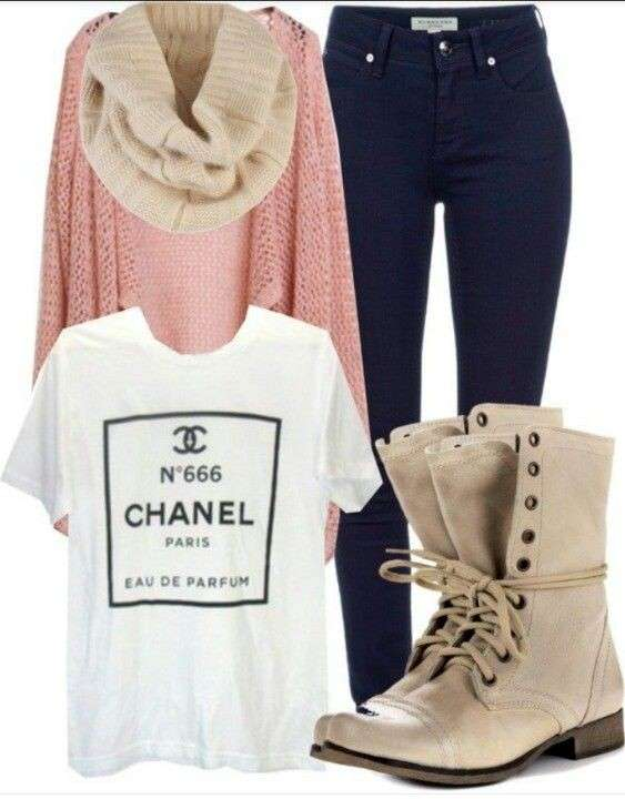 Look casual chic con anfibi