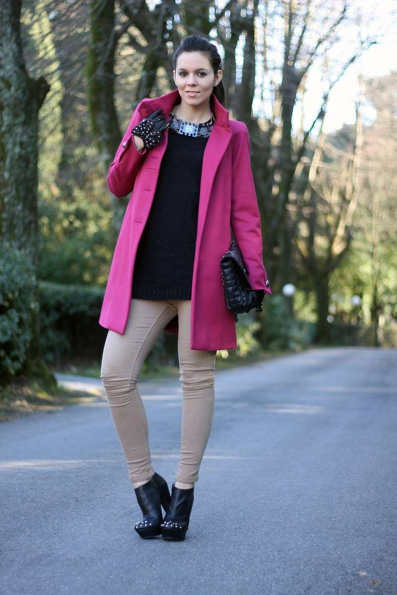 Look con cappotto rosa