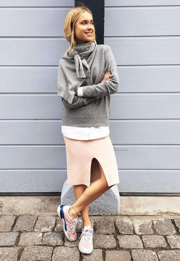 Look sporty chic con capi rosa