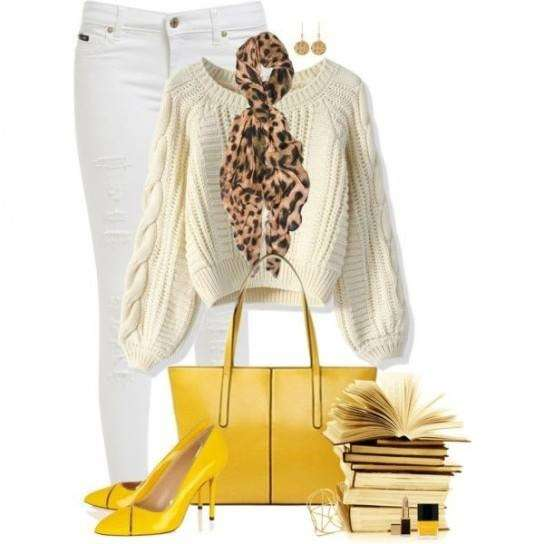 Look bianco con accessori pastello