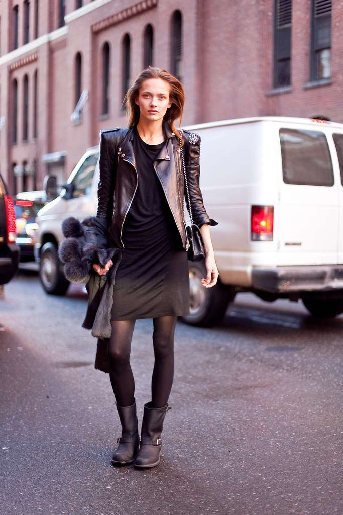 Minidress e biker boot