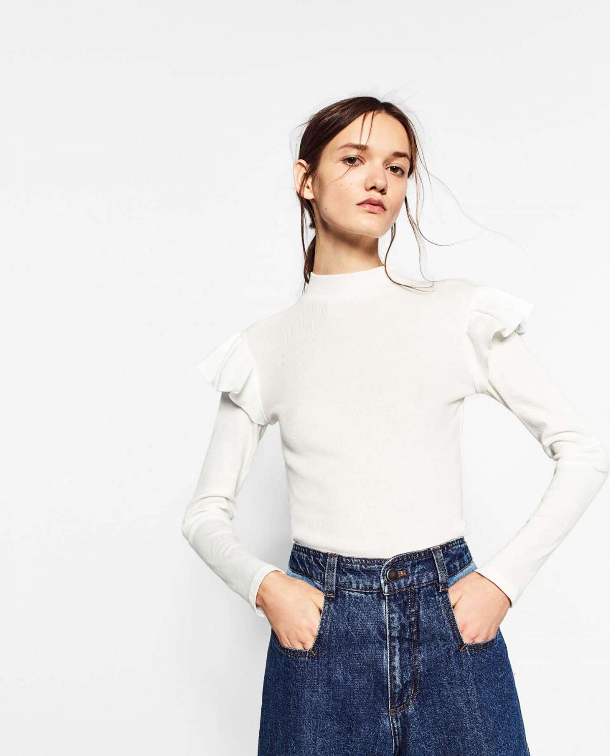 Top bianco con rouches