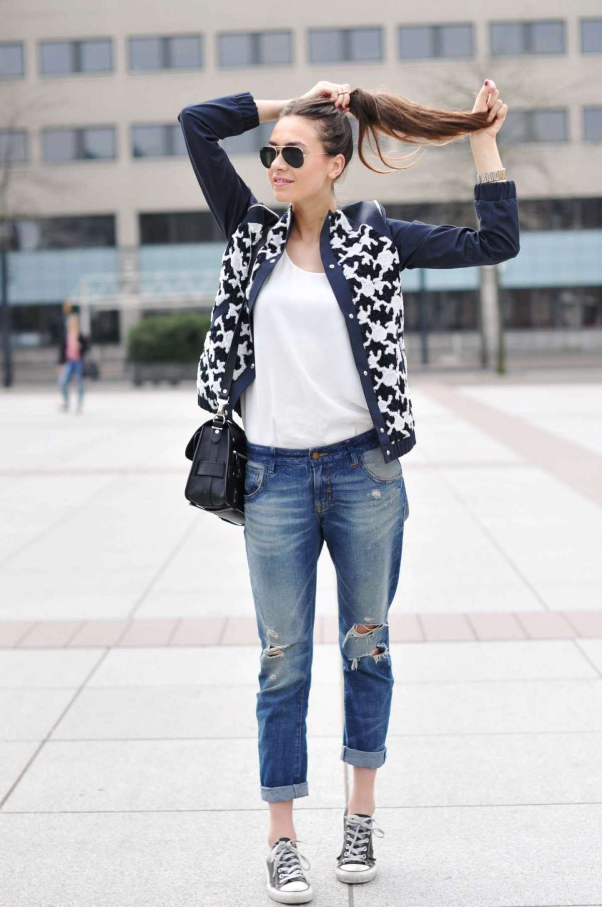Jeans e sneakers