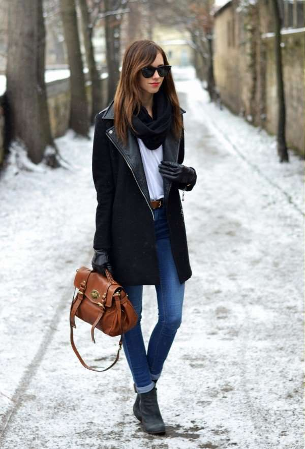 Cappotto nero e borsa marrone