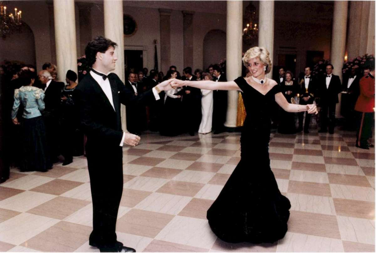 Lady Diana con abito Catherine Walker