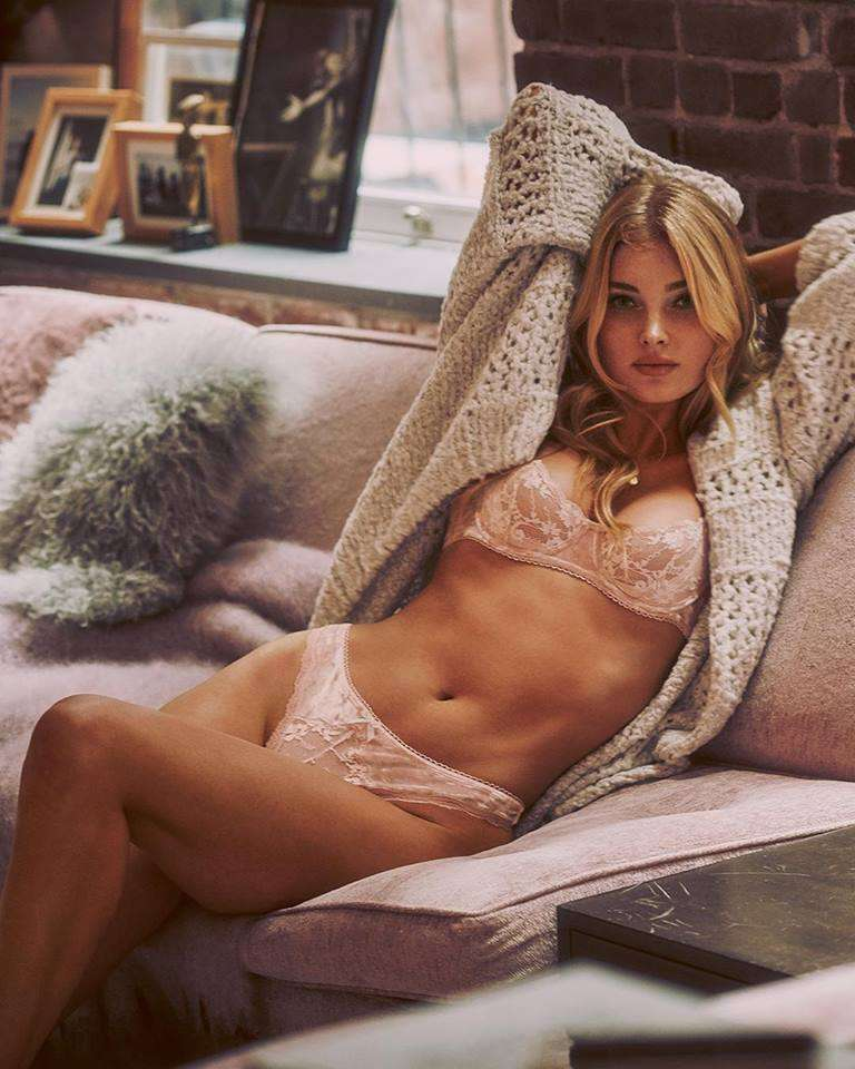 Intimo in pizzo rosa Victoria's Secret