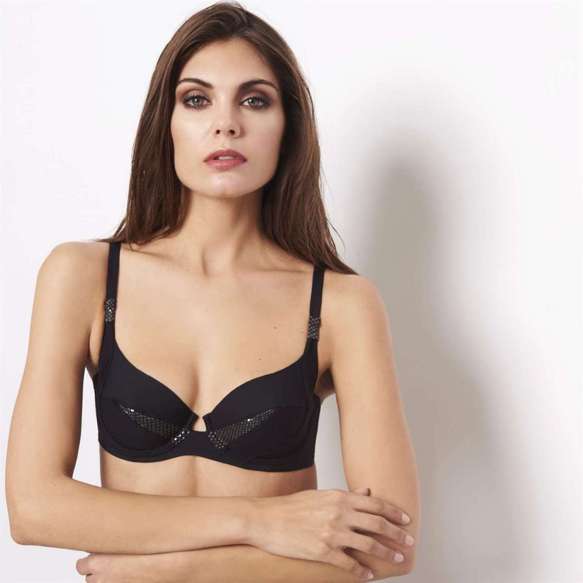 Bikini top nero con coppe imbottite differenziate Yamamay a 39,95 euro