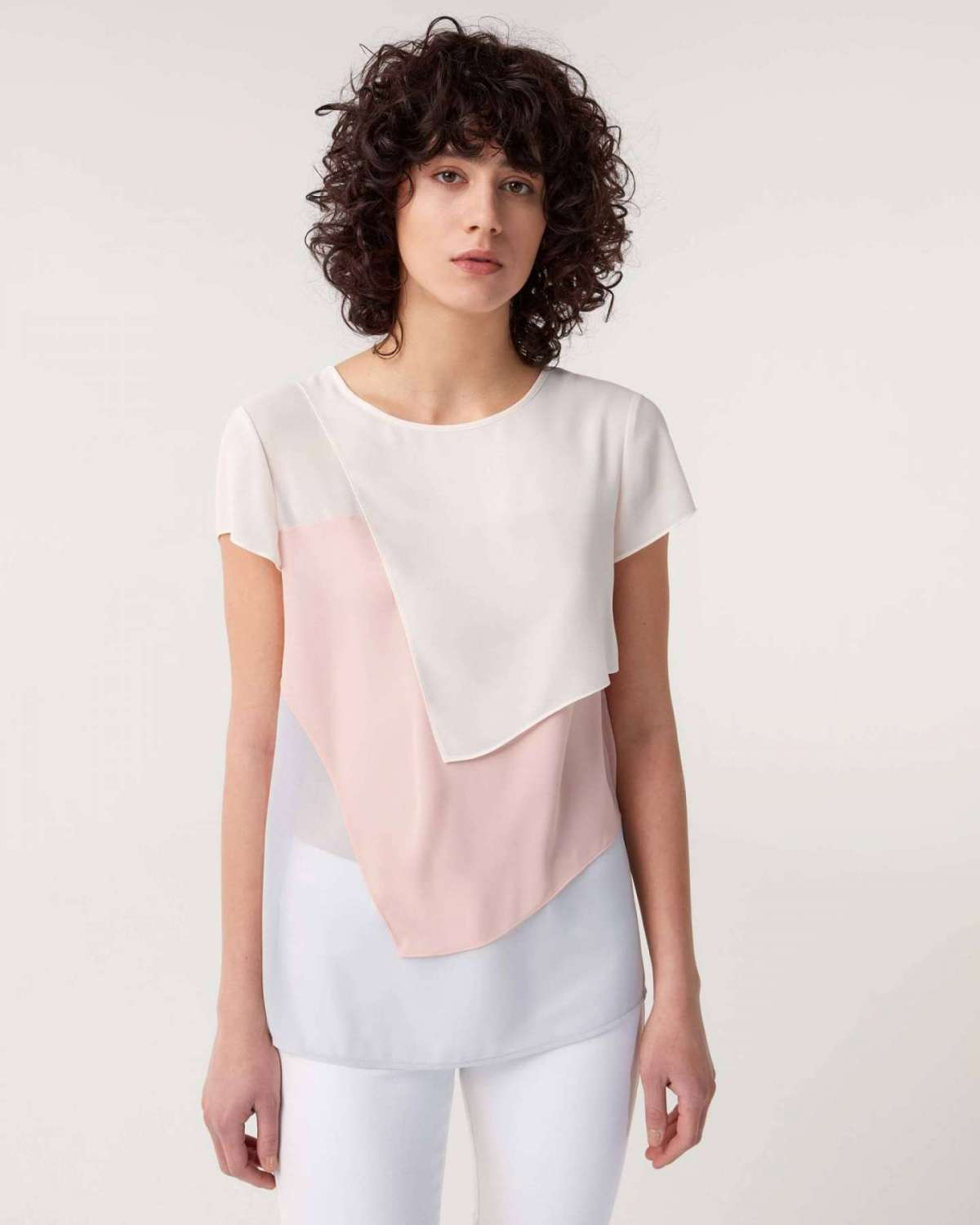 Blusa in color block Sisley a 49 euro