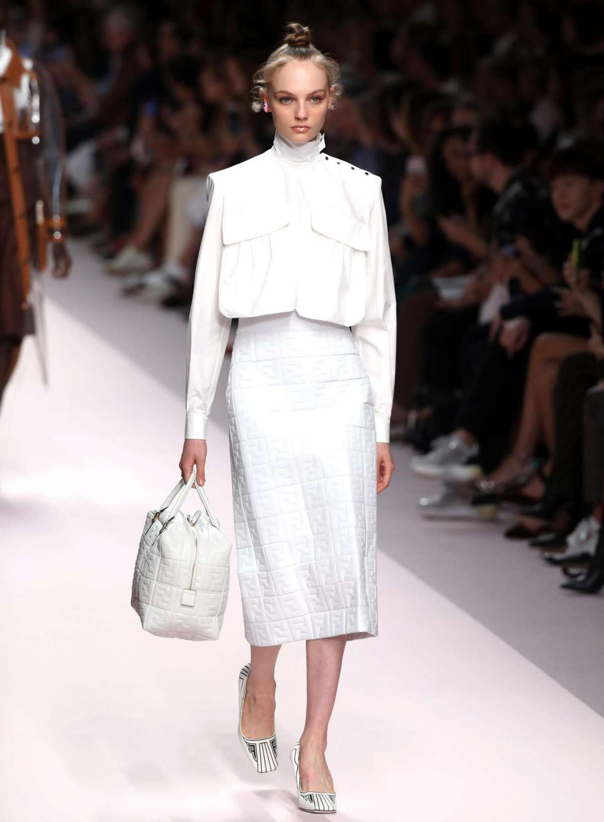 Look total white Fendi