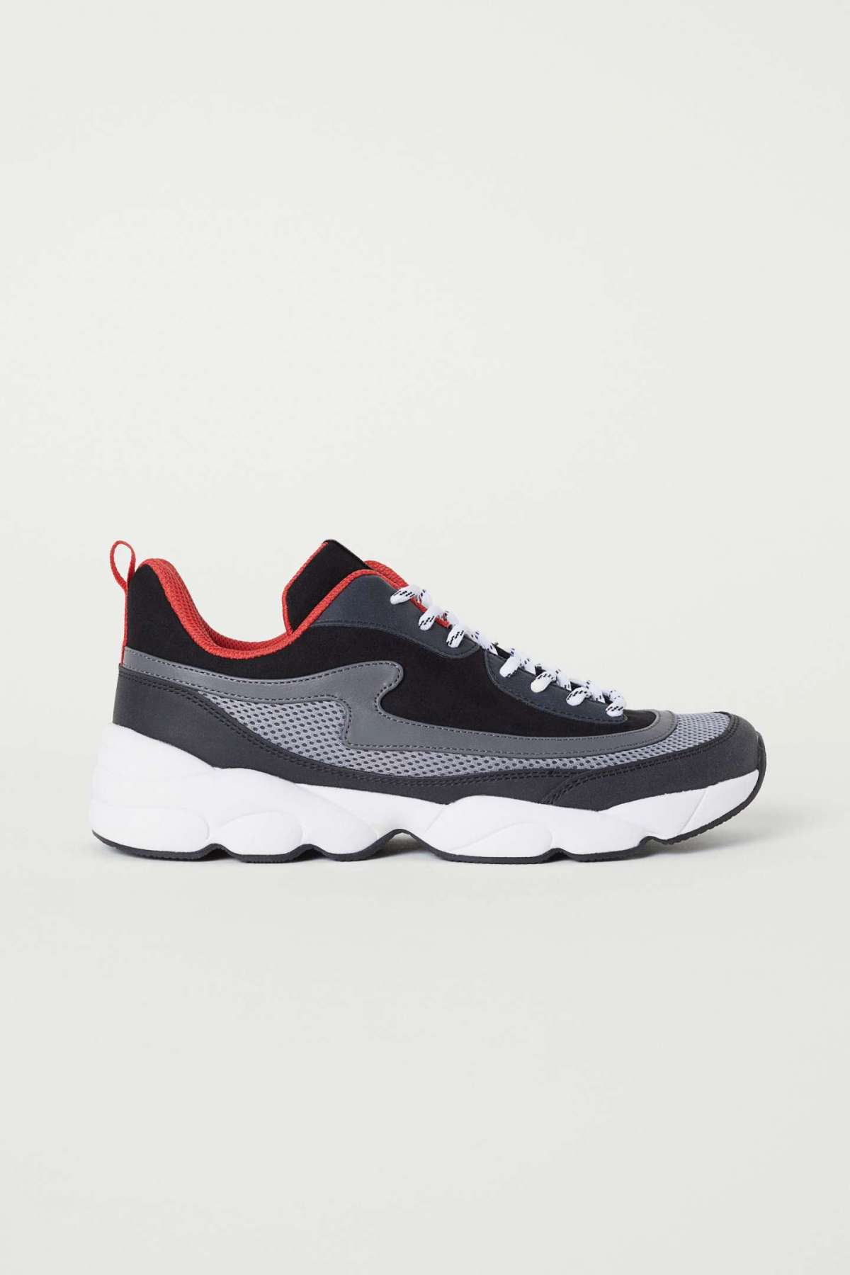 Sneakers H&M a 34,99 euro