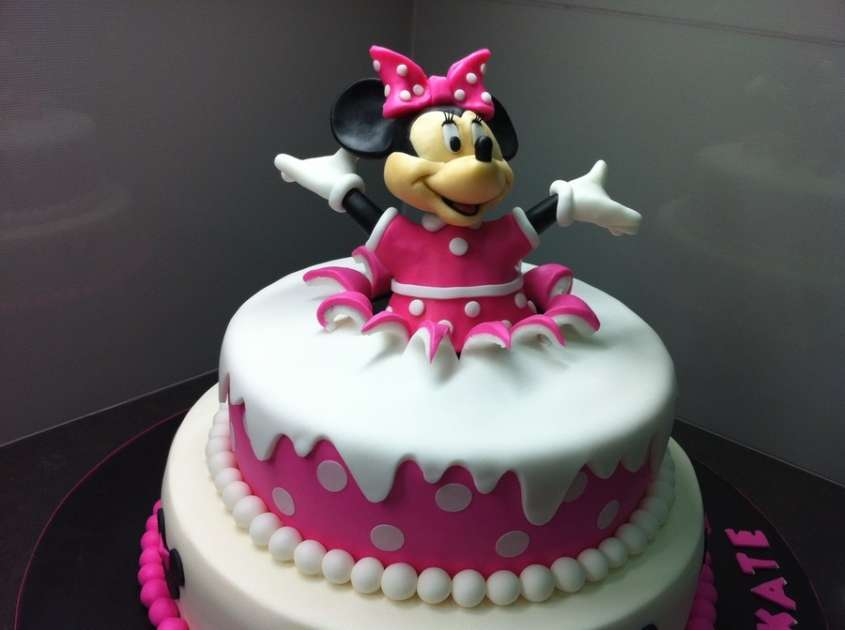 idee decorazioni torte di minnie foto ricette pourfemme. Black Bedroom Furniture Sets. Home Design Ideas