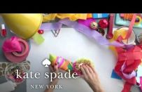I regali di Natale colorati e divertenti di Kate Spade