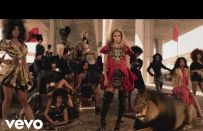 "Beyonce Knowles: gli abiti del video ""Run the World (Girls)"""